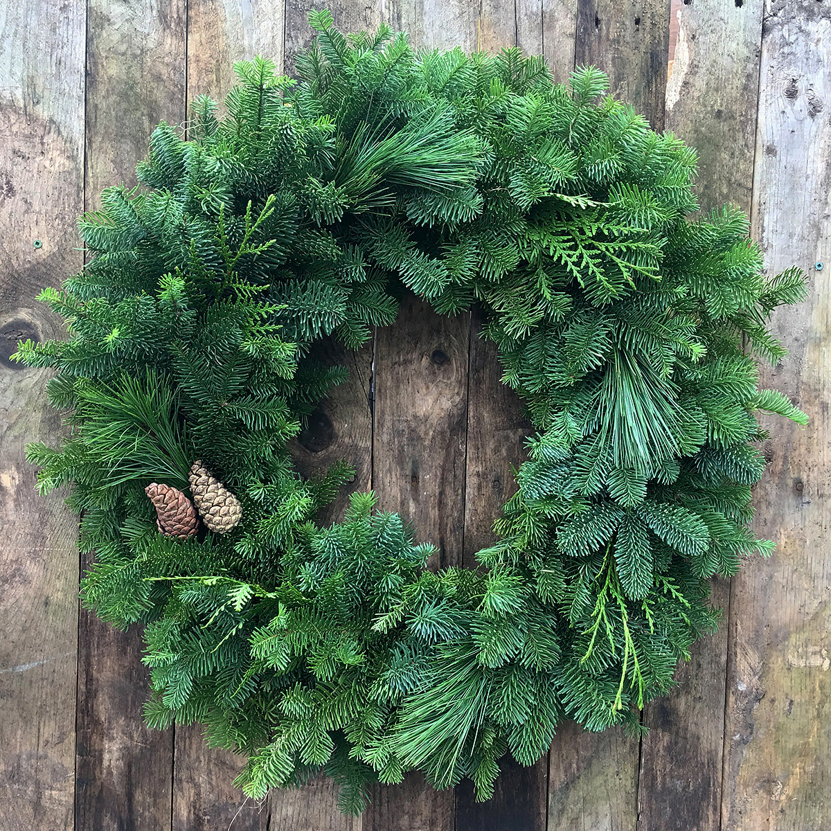 Christmas Wreath - Mixed 16in