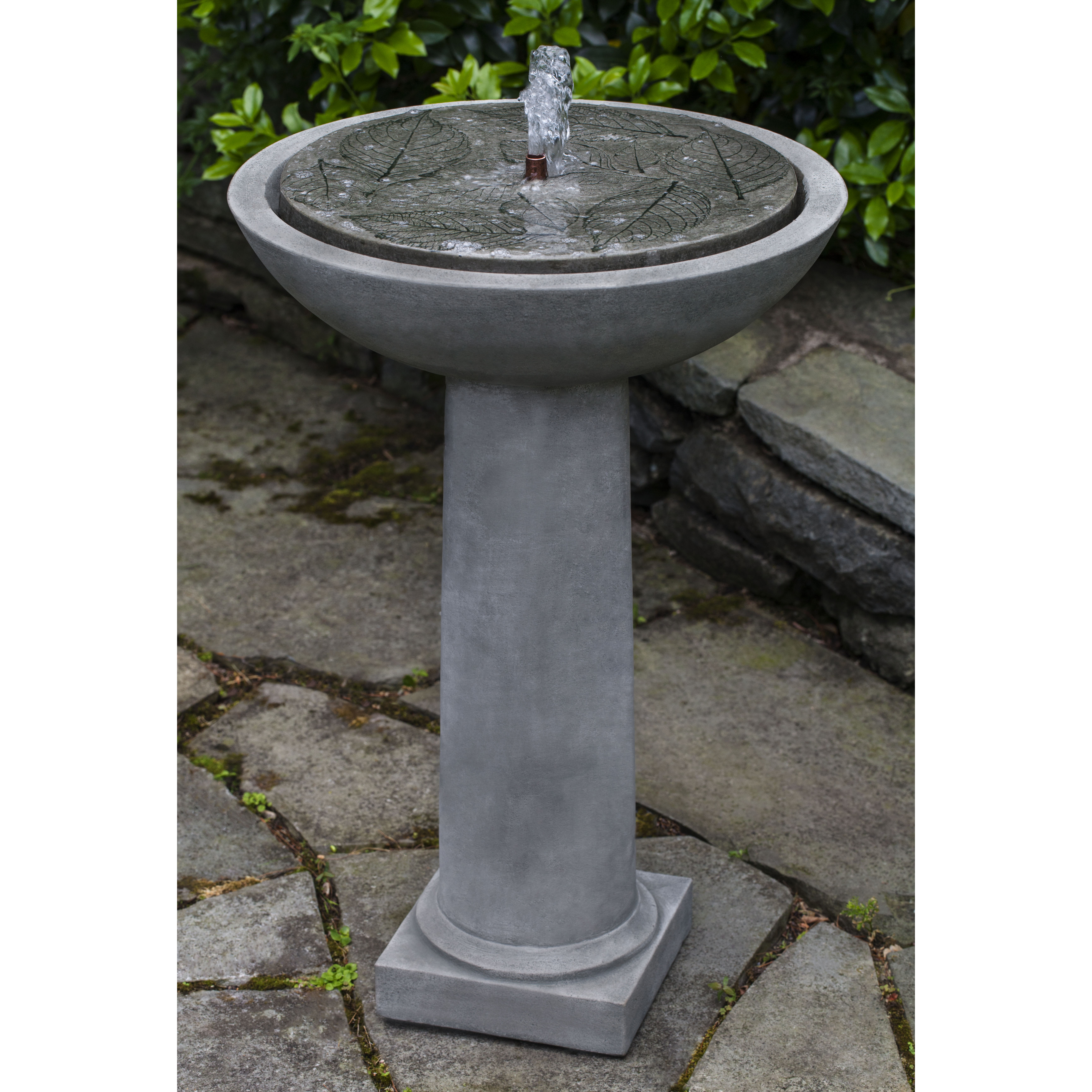 Campania - Hydrangea Leaves Birdbath Fountain