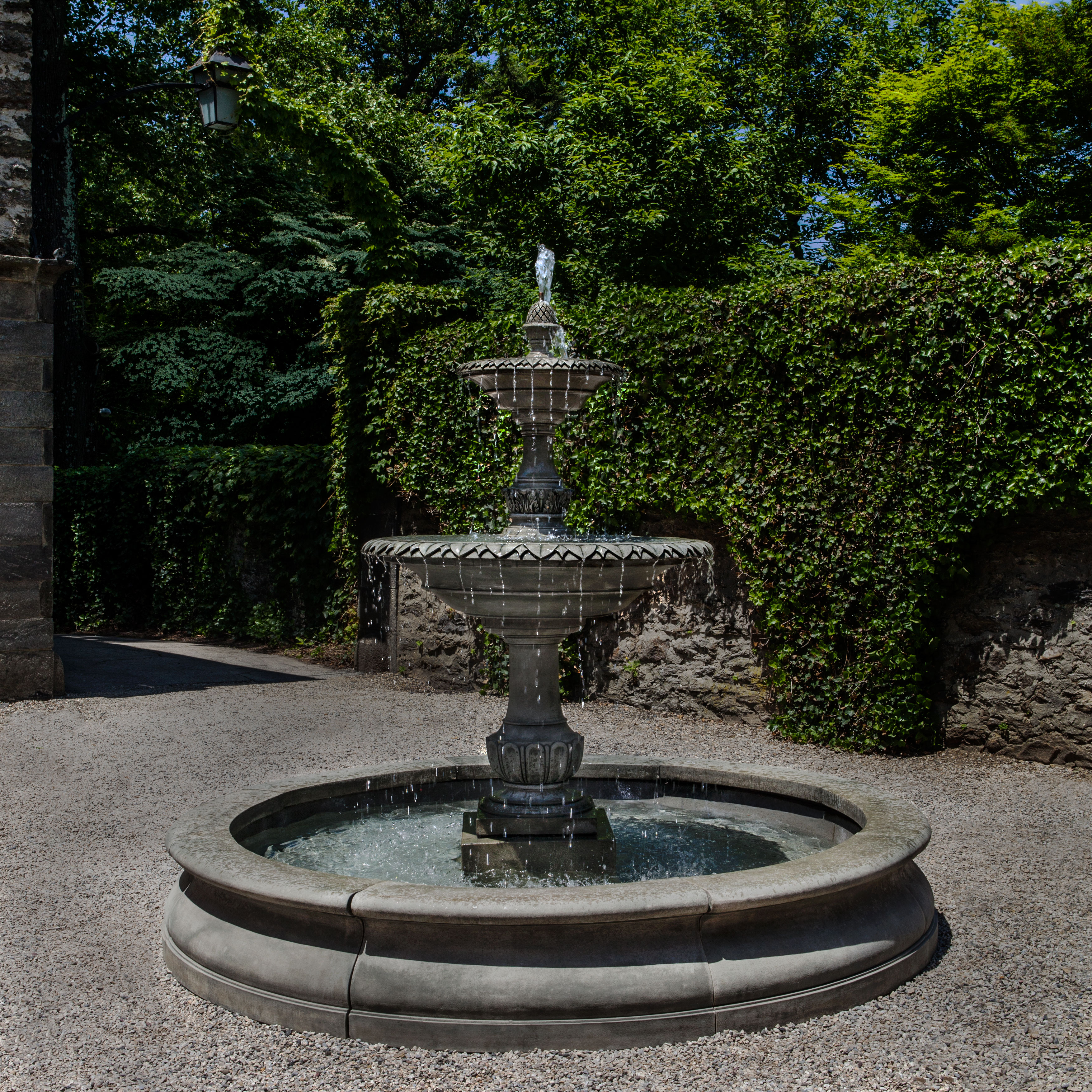 Campania - Charleston Fountain in Basin