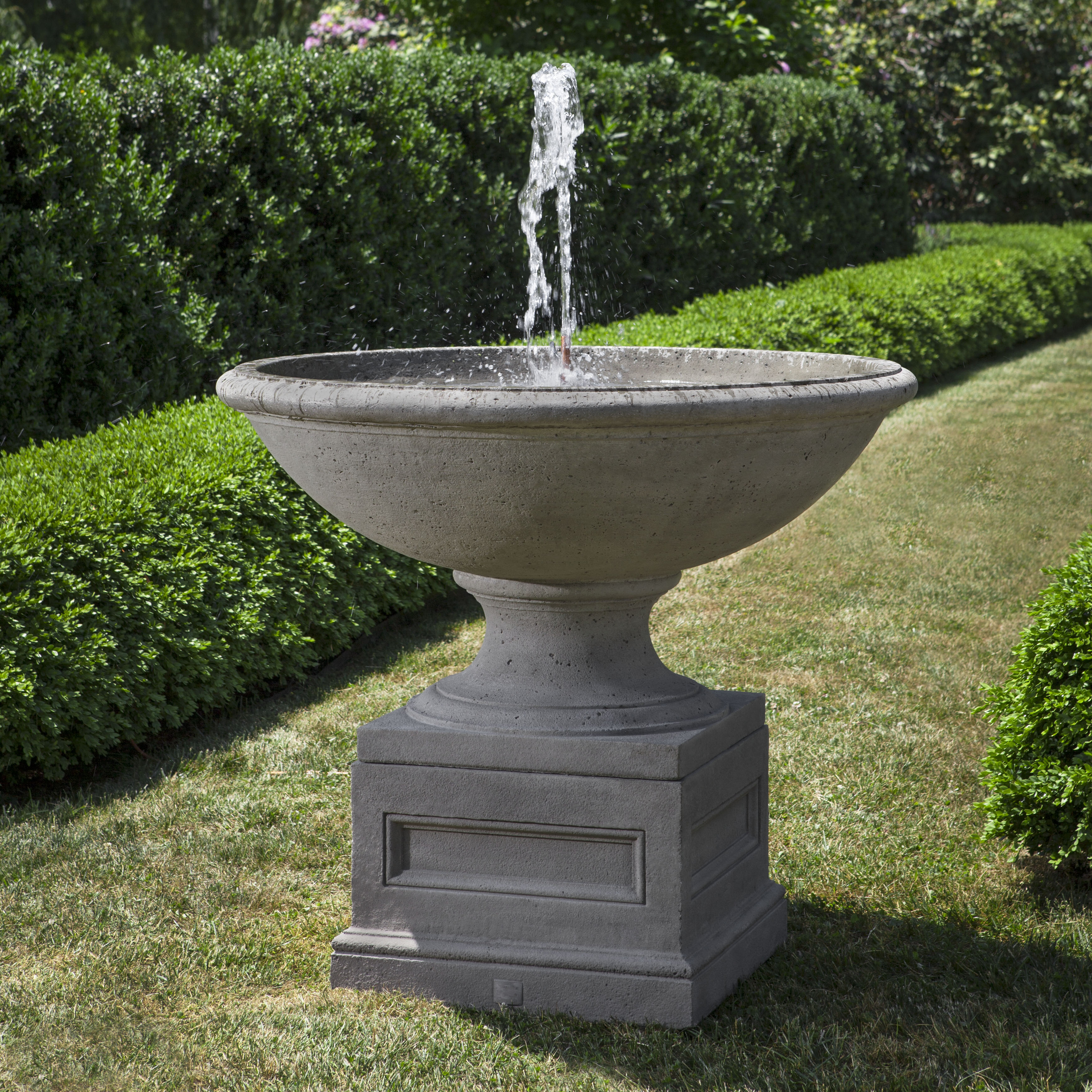 Campania - Condotti Fountain