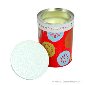 Thymes_Gingerbread_AromaticCandle_284g.jpg